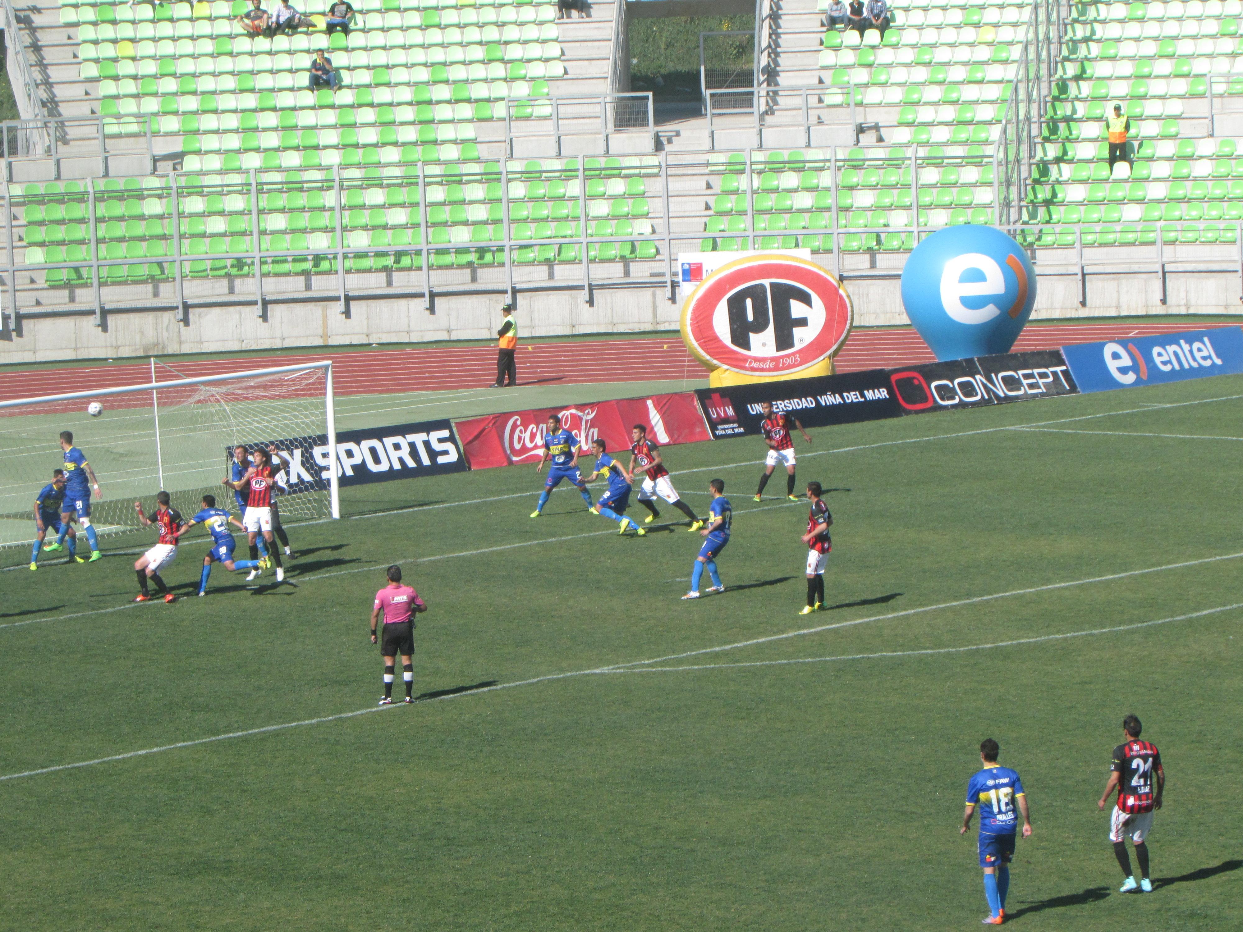 Everton derrotó a un pálido Rangers en Valparaíso