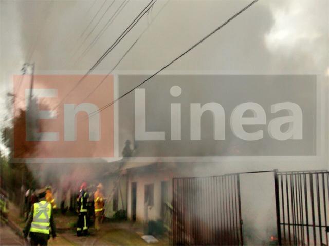 Incendio Destruye Dos Casas y Deja una Mujer Herida en Talca