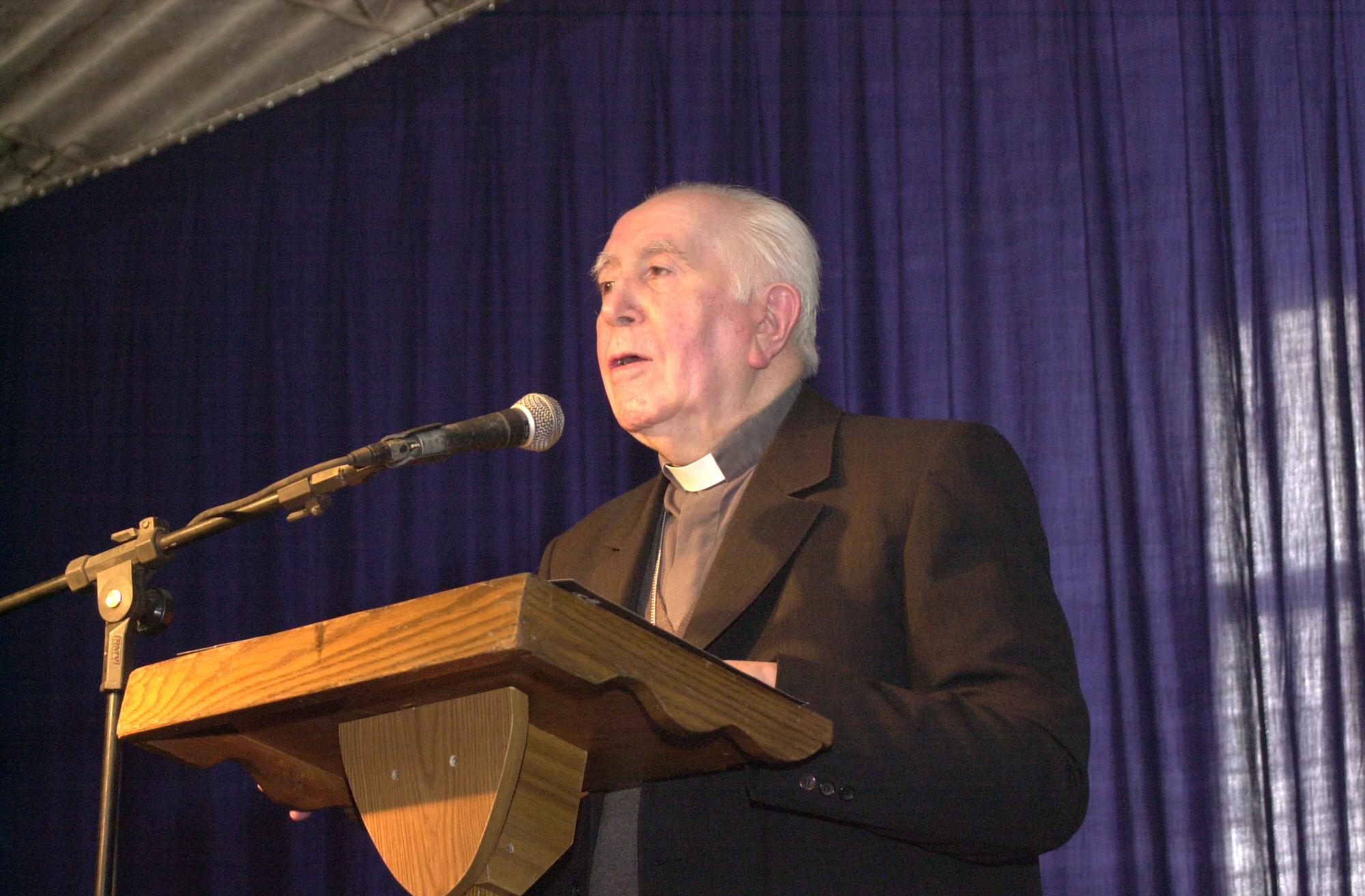 Con Misa Recuerdan a Monseñor Carlos González Cruchaga