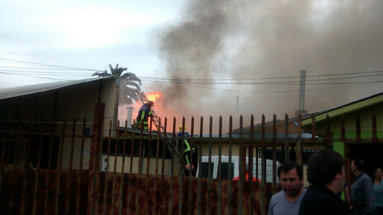 Incendio Destruye Panaderia en Talca