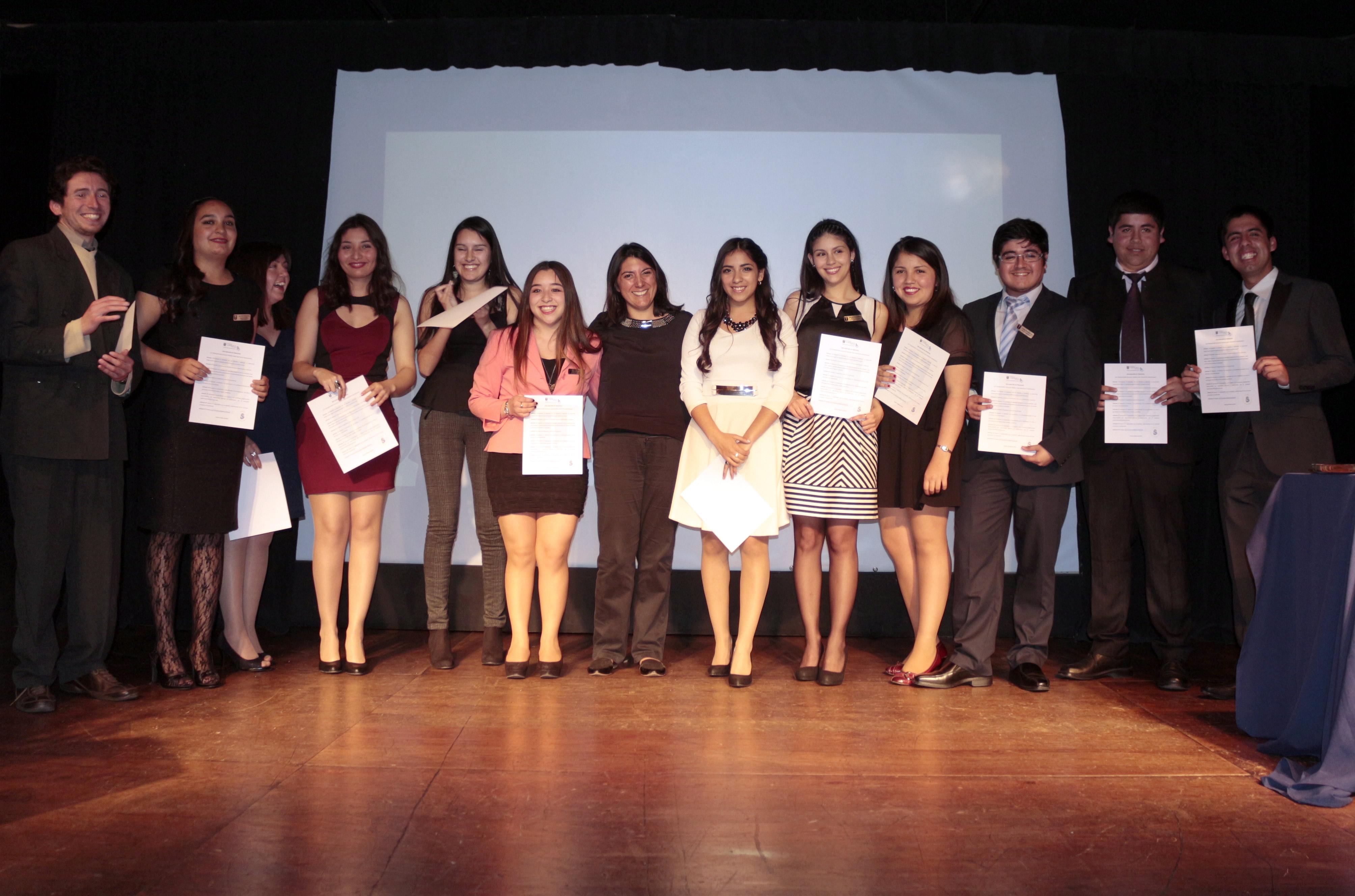 Celebran Investidura de Estudiantes de Trabajo Social