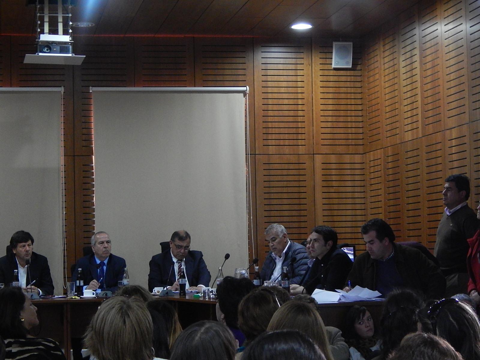 Concejo Municipal Estudia Presupuesto para 2015