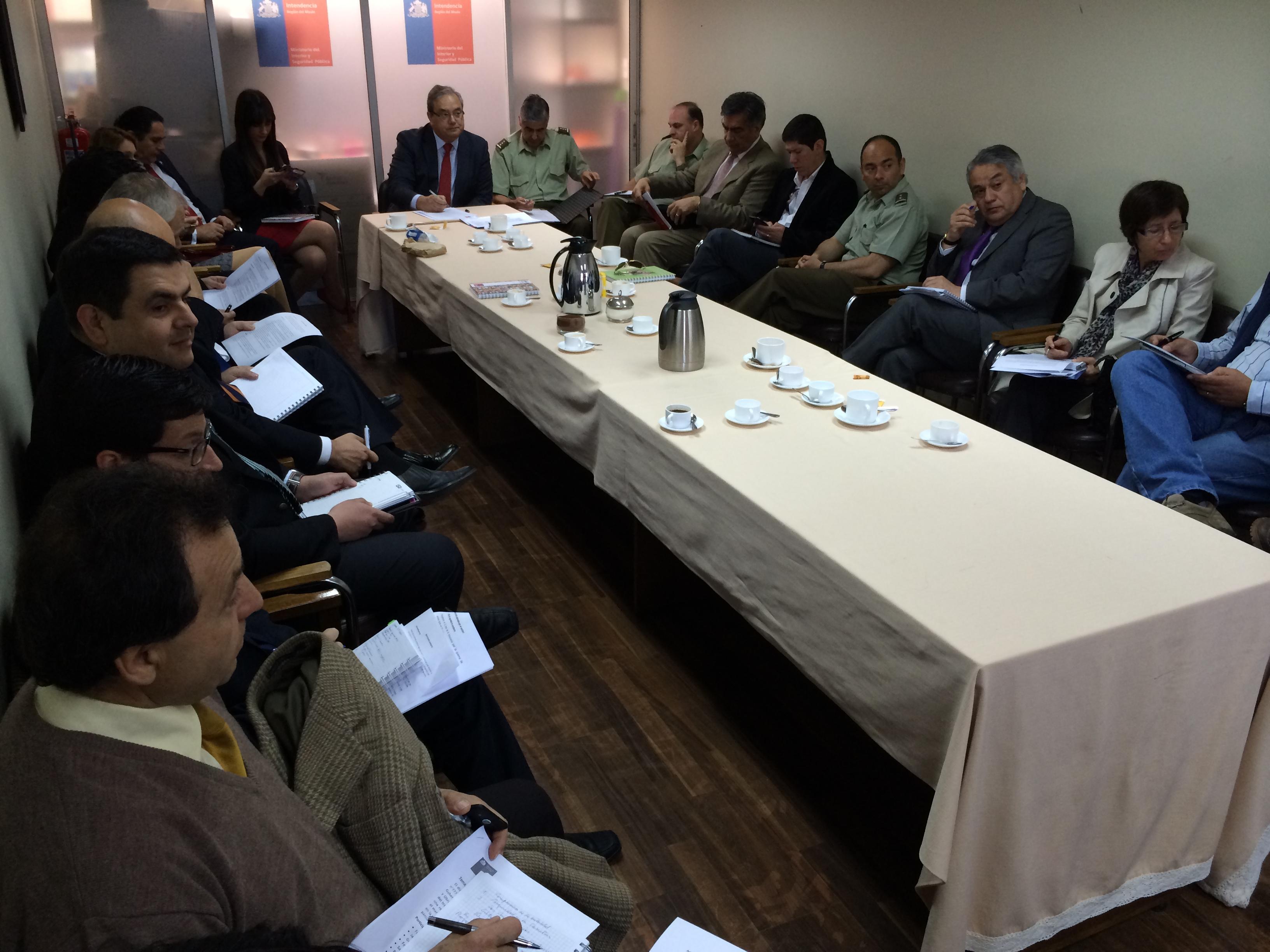 Intendente y transportistas maulinos sostienen primer encuentro de la Mesa Regional de Seguridad en Carreteras.