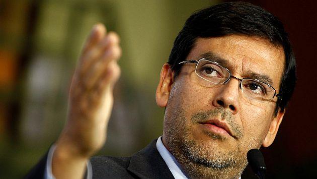 Ministro de hacienda rebaja crecimiento de la economía chilena
