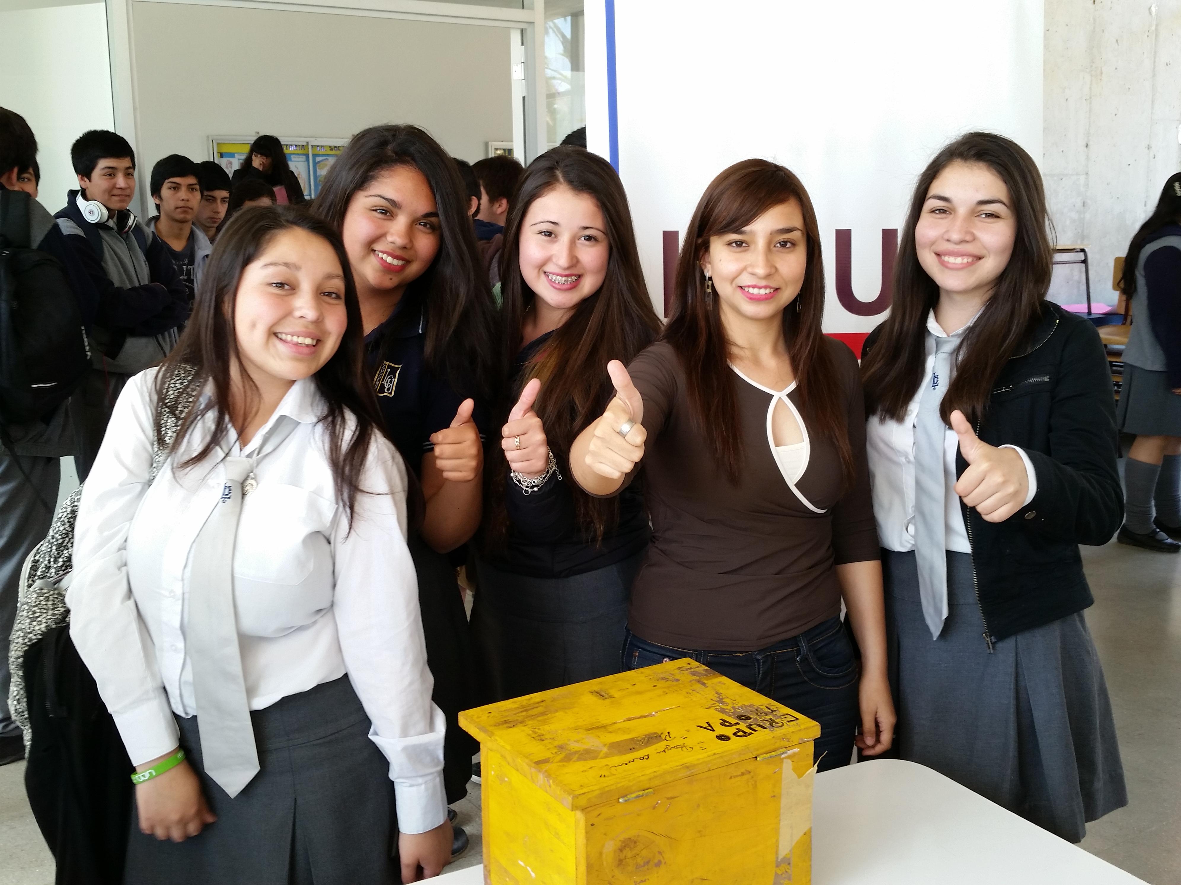 Jóvenes Maulinos Participaron con éxito en Escuelas de Ciudadanía