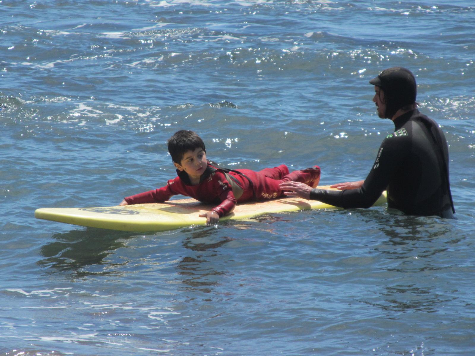 Inauguran Escuela de Surf Infantil en LLico