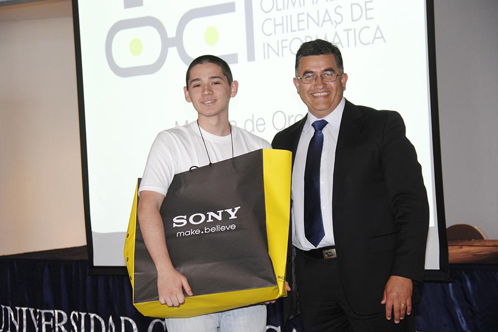 Estudiante Penquista venció en Olimpiadas de Informática Escolares en Talca