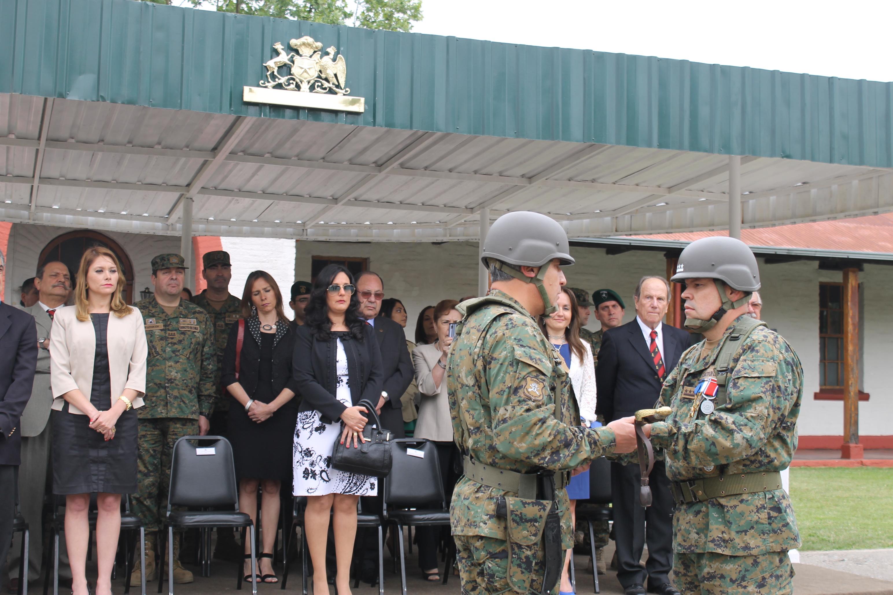 Se Realizá Cambio de Mando en Escuela de Artillería en Linares