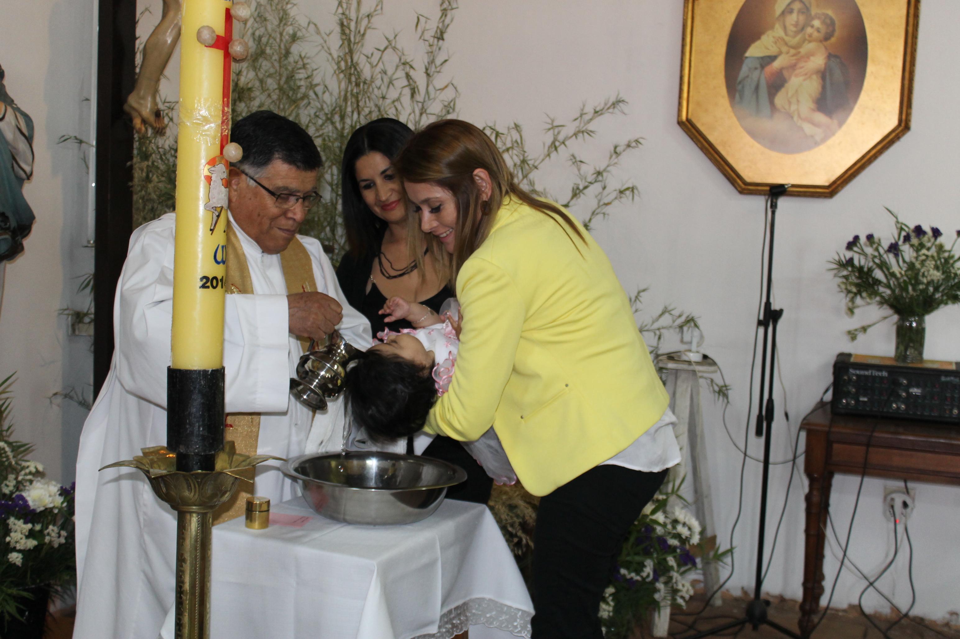 En Villa Alegre se Realizó Bautizo de Ahijada de Michelle Bachelet