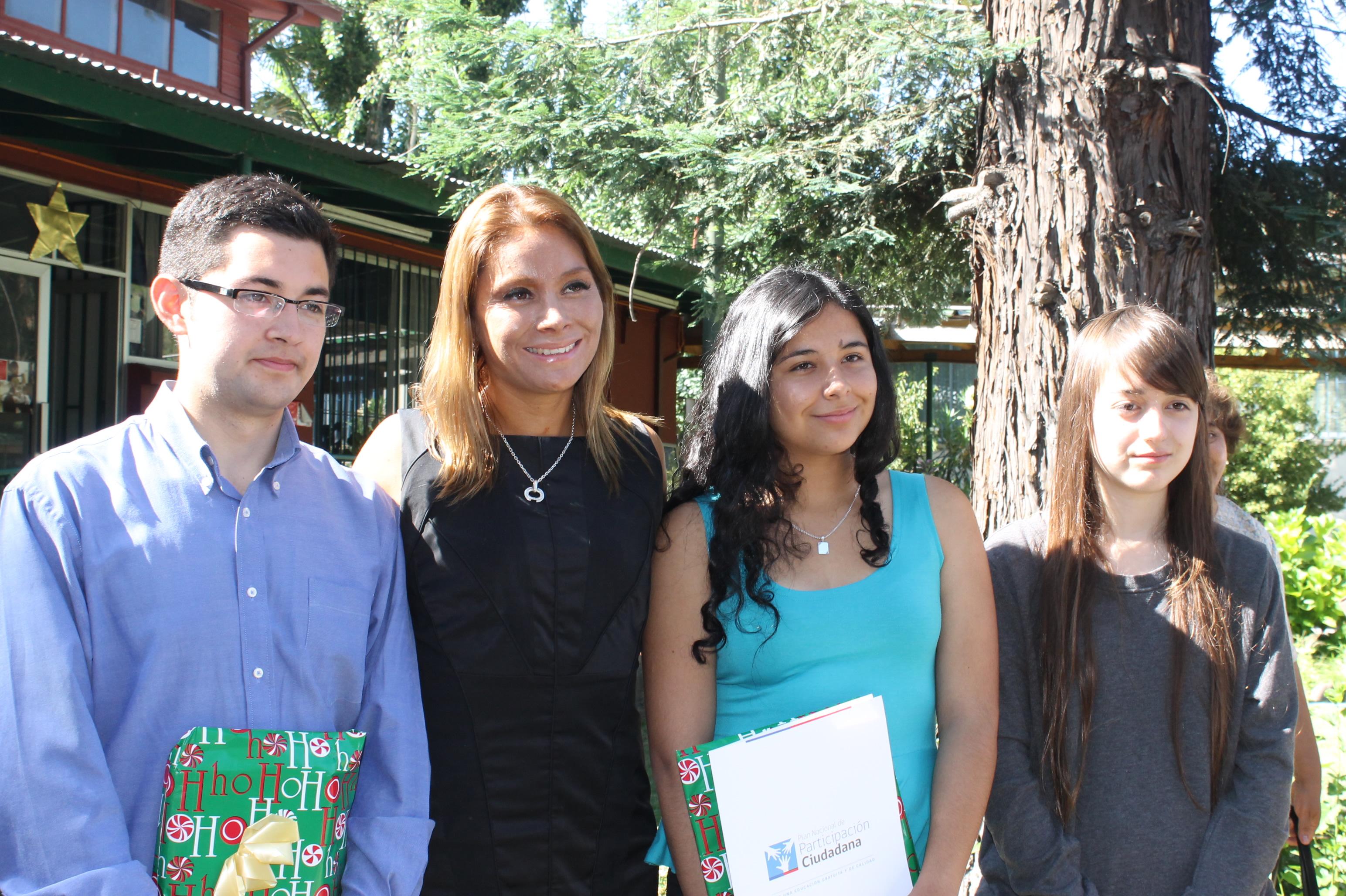 Reconocen a Puntajes Nacionales de la PSU en Linares
