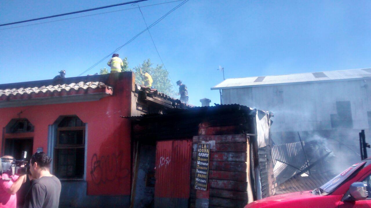 Incendio Destruyó Vivienda y Dos Mediaguas en Talca
