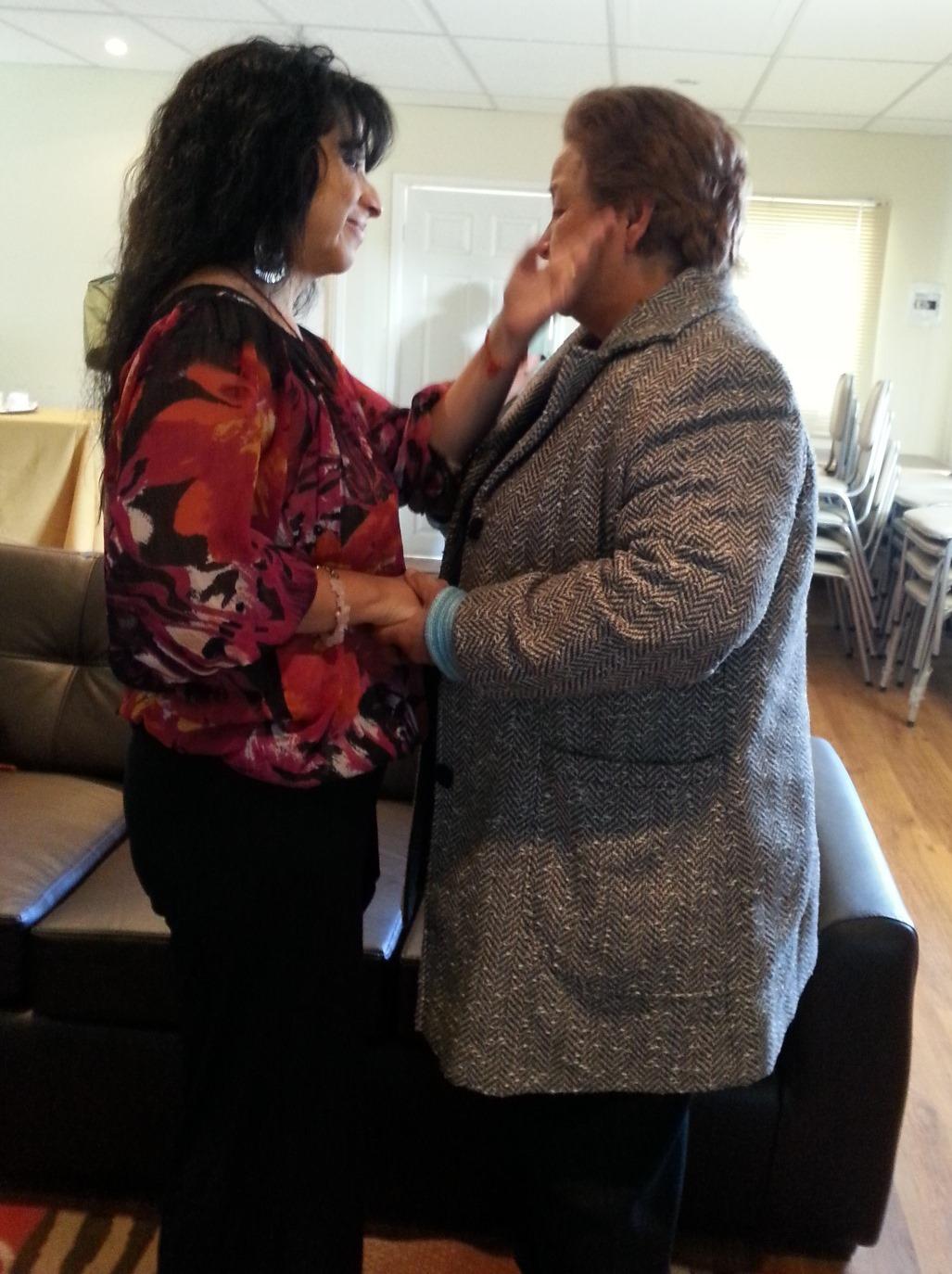 Gracias a Carabineros Mujer Conoció a su Madre en Curicó