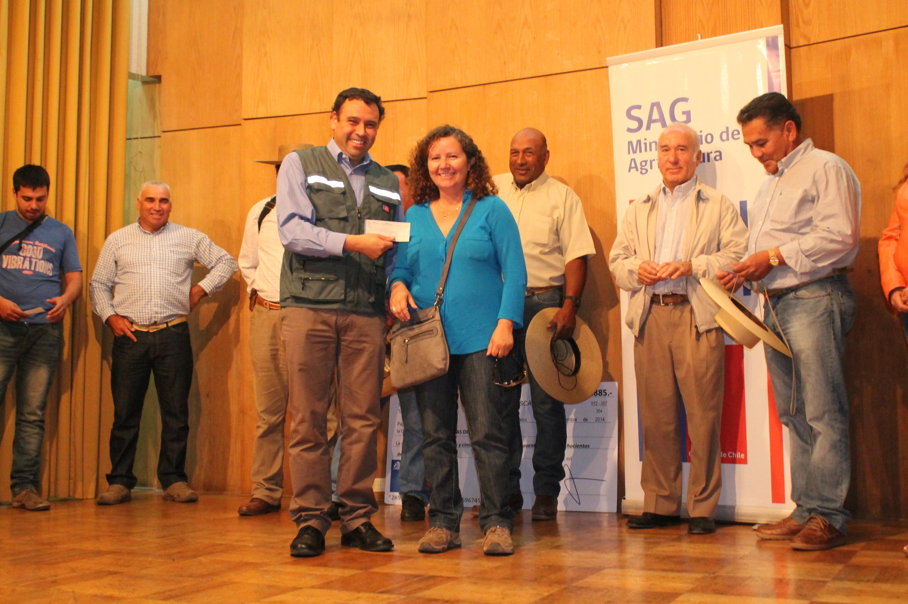 Importantes Incentivos Recibieron Agricultores de Linares y Parral