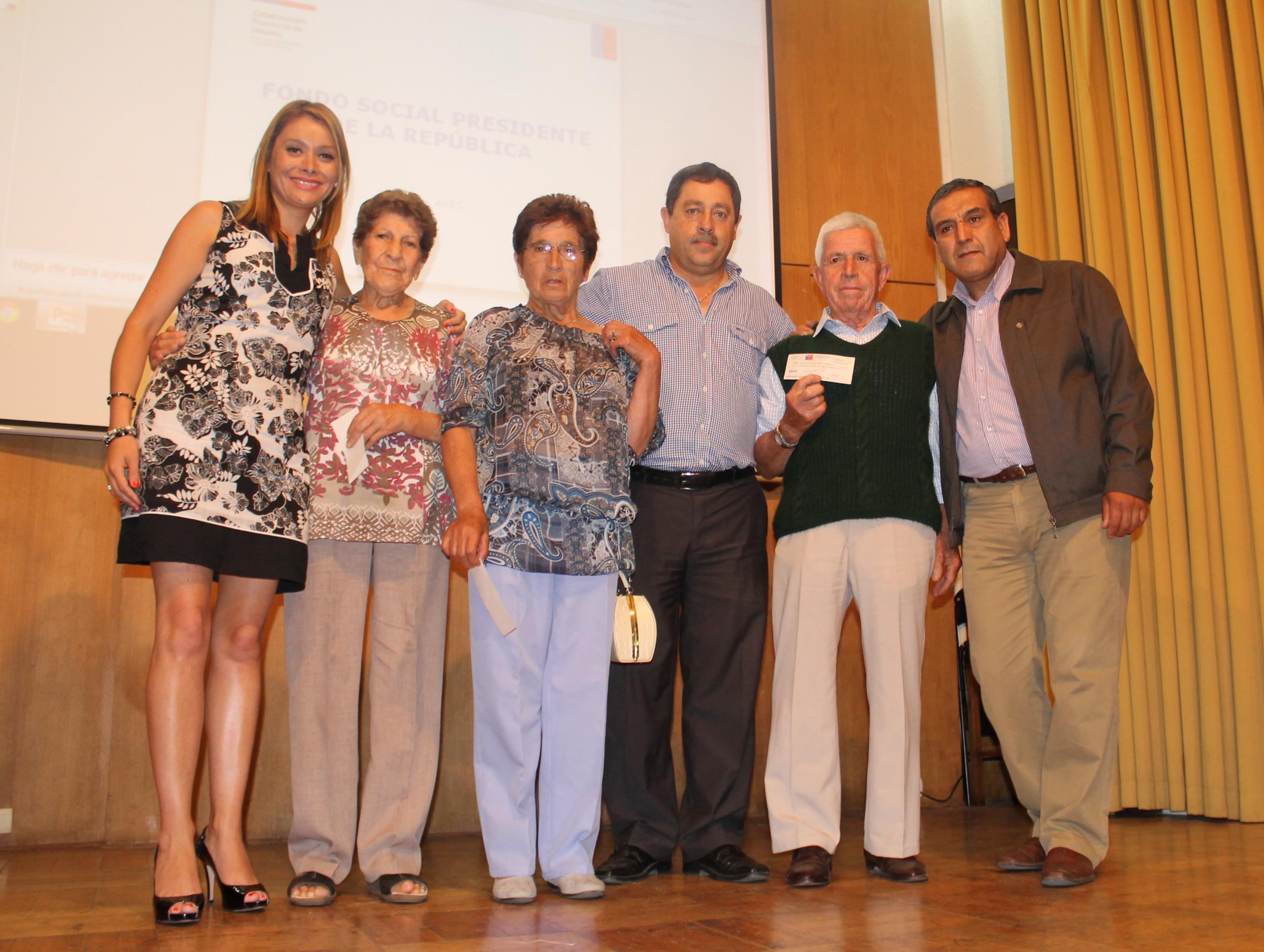 Organizaciones Recibieron Fondos Sociales en Linares