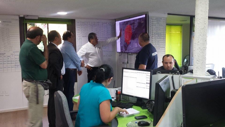 Gobernador de Talca Recibe Informe de Incendio Forestal en Pelarco