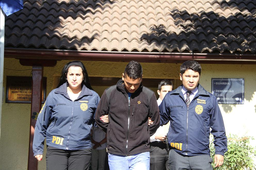 Control de Detención a Unicó Acusado de Hackeo en Curicó