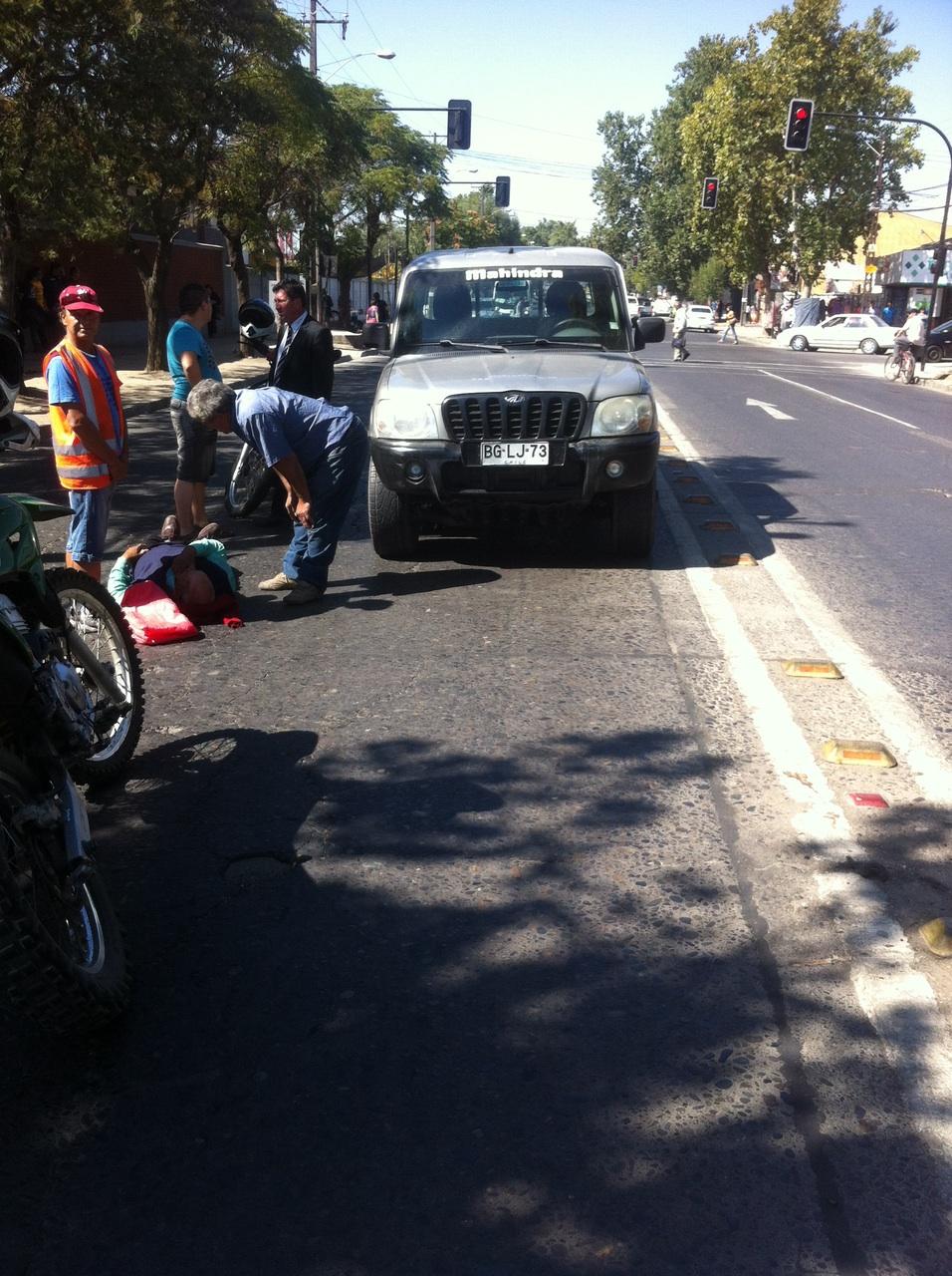 Ciclista Sufre Accidente al Colisionado por Vehículo en Talca