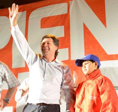 Alcalde Juan Castro Felicitó a Alumnos Ganadores de la XI Feria Antártica Escolar