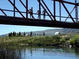 Joven Desaparece en Aguas del Río Longaví