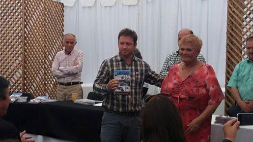 Diputado Álvarez-Salamanca participa en lanzamiento de libro en San Clemente
