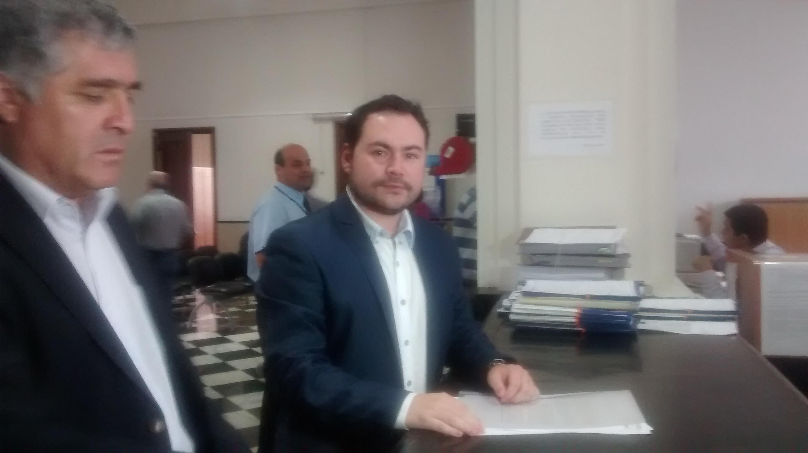 Funcionarios municipales niegan acusaciones por compra irregular de terrenos