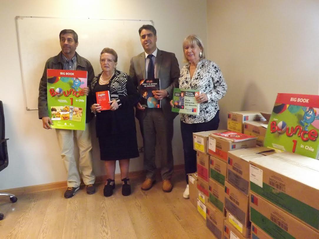 En Pencahue se inició distribución de textos escolares
