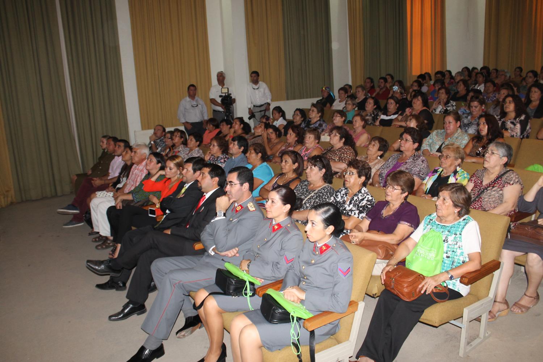 Más de 200 dirigentes conmemoraron el día de la mujer en Linares