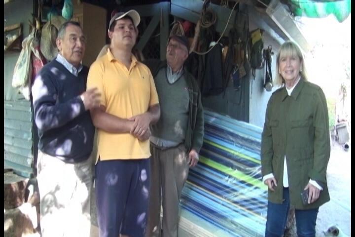 Municipalidad de Pencahue entrega cama a Joven con capacidades distintas