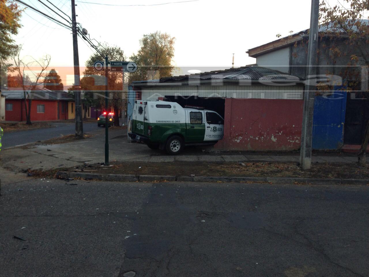 Vehículo policial se incrusta en botillería resultando un carabinero lesionado en Talca