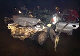 Joven en estado grave tras impactar su vehículo con árbol en Talca