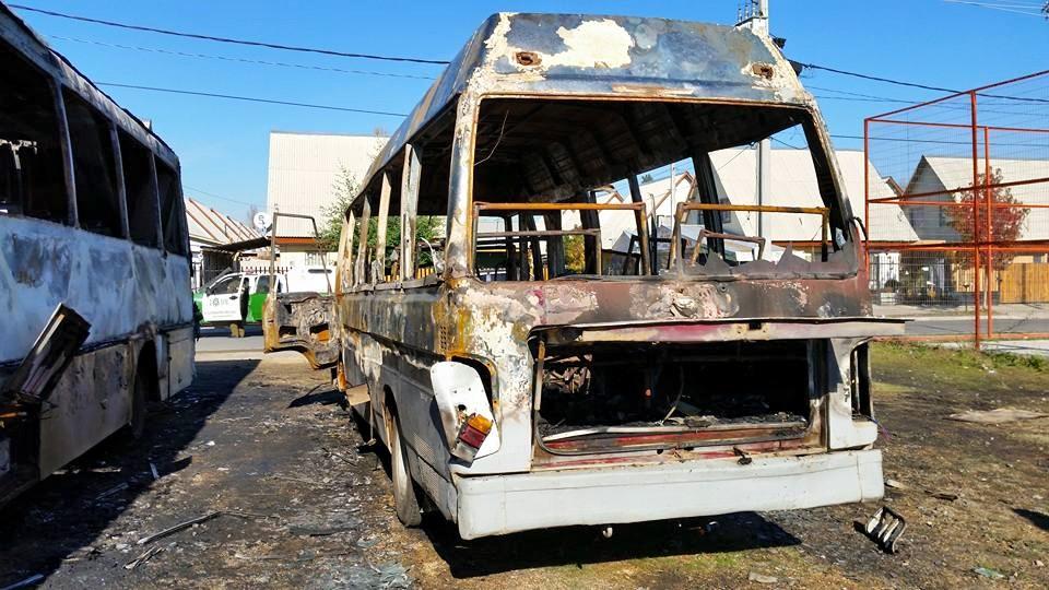 Quemaron microbuses para el traslado de temporeros en Molina