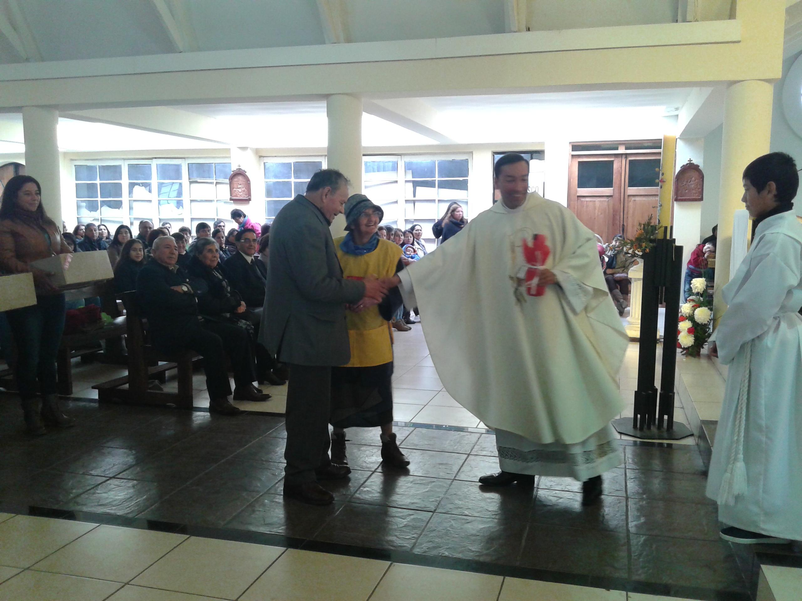 Comunidad Católica de Retiro celebró los nueve años de servicio sacerdotal del padre Alex Troncoso
