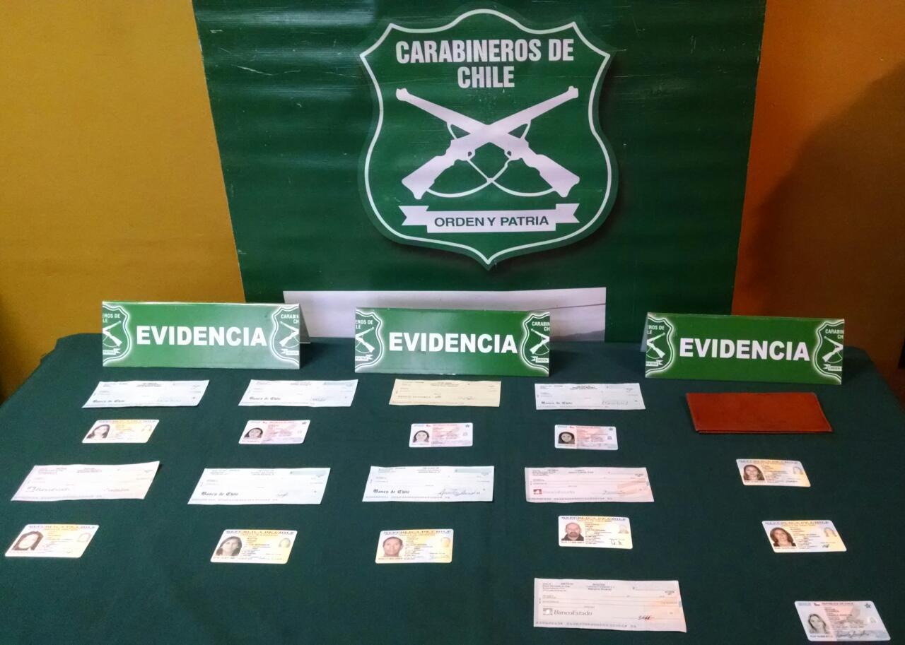 Detienen a peligrosa banda que intentaba cobrar cheques robados en Talca