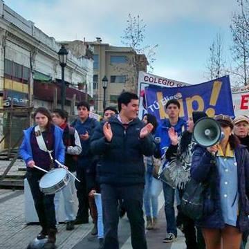 Estudiantes convocan marcha por reforma educacional