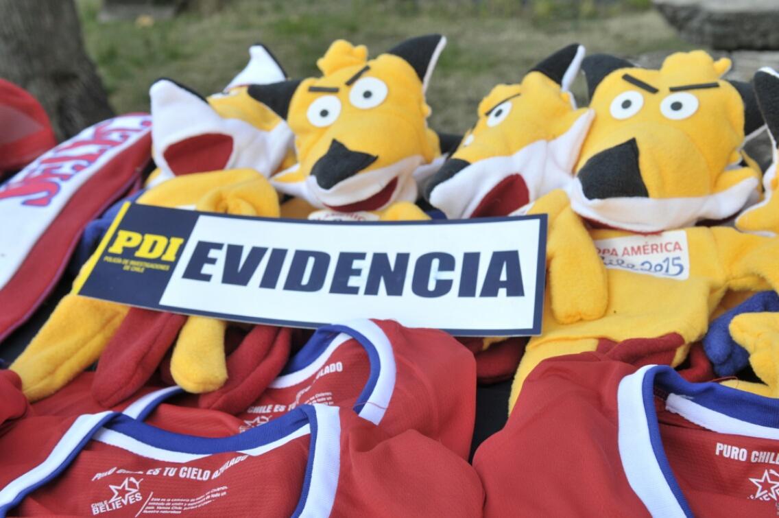Realizan masiva incautación de productos falsificados de Copa América