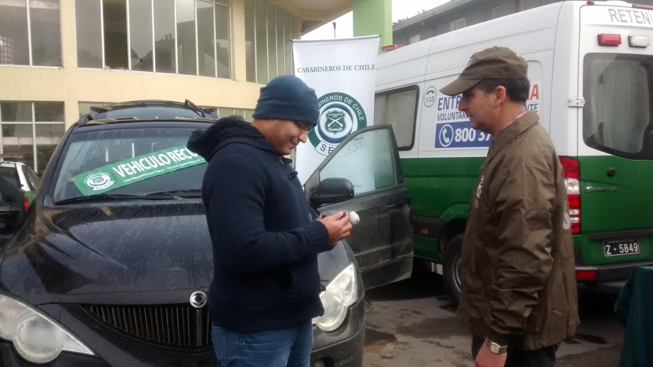 Médico ecuatoriano recupera camioneta robada en Talca
