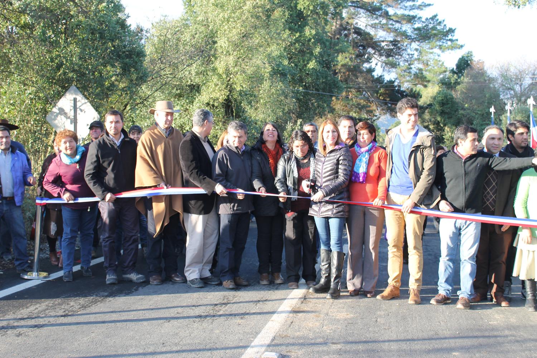 Inauguran asfalto en el camino del Embalse Ancoa en Linares