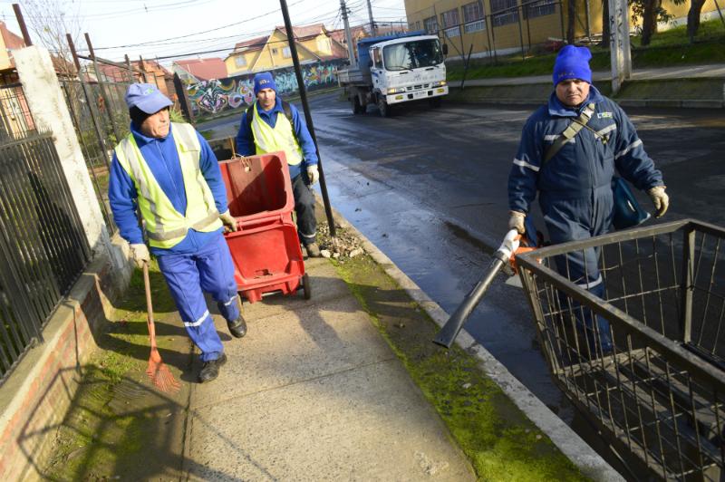 Municipalidad de Talca realizó operativo de limpieza en sector Lomas de Lircay