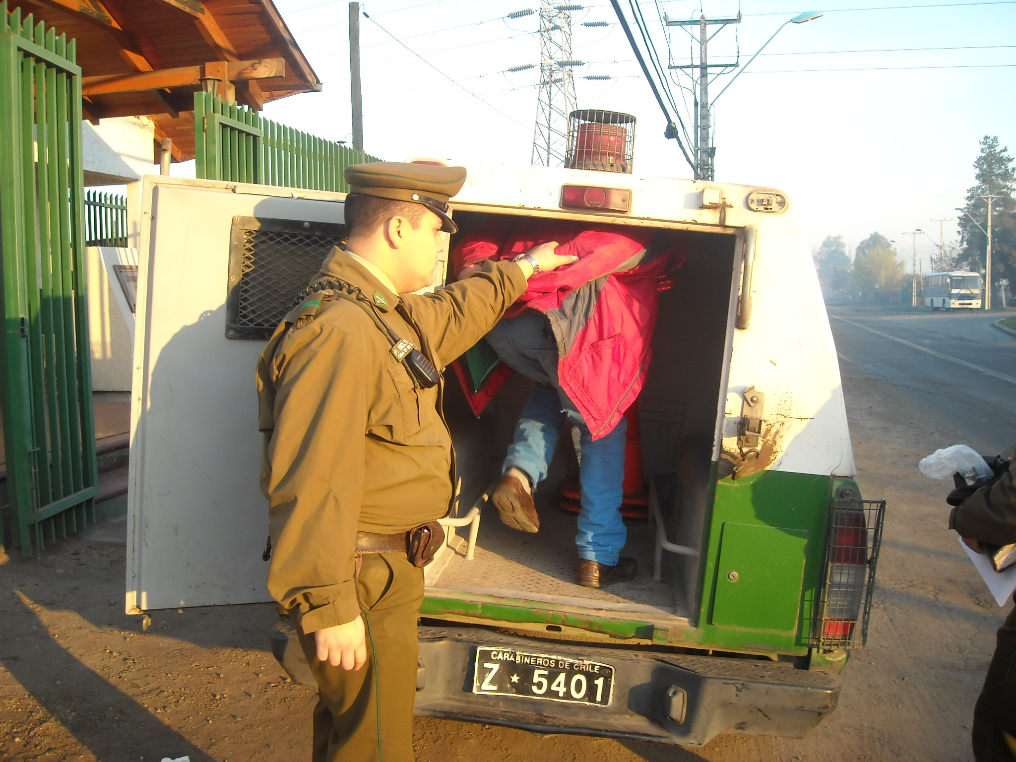 Carabineros detiene a hombre por robo en lugar habitado en localidad de Tutuquen