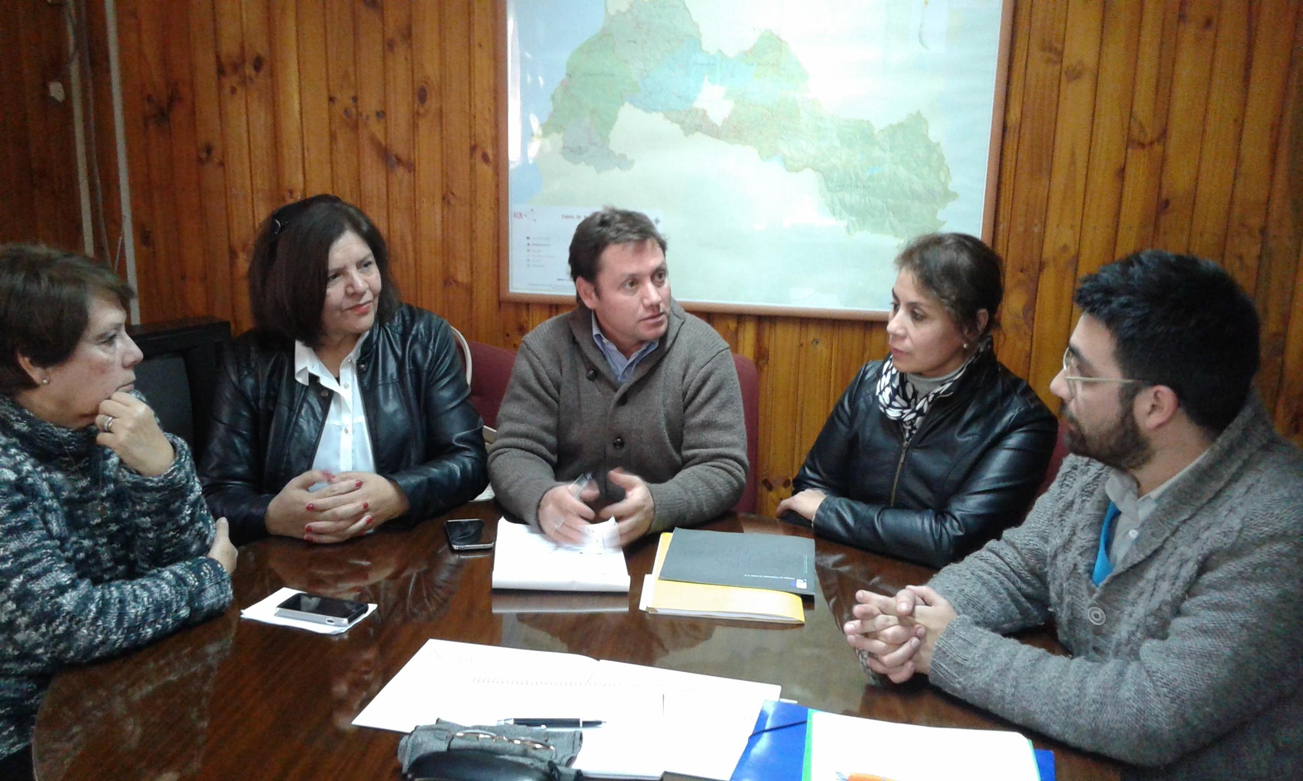 Diputado Álvarez-Salamanca presentará moción en el Congreso con las necesidades de los profesores