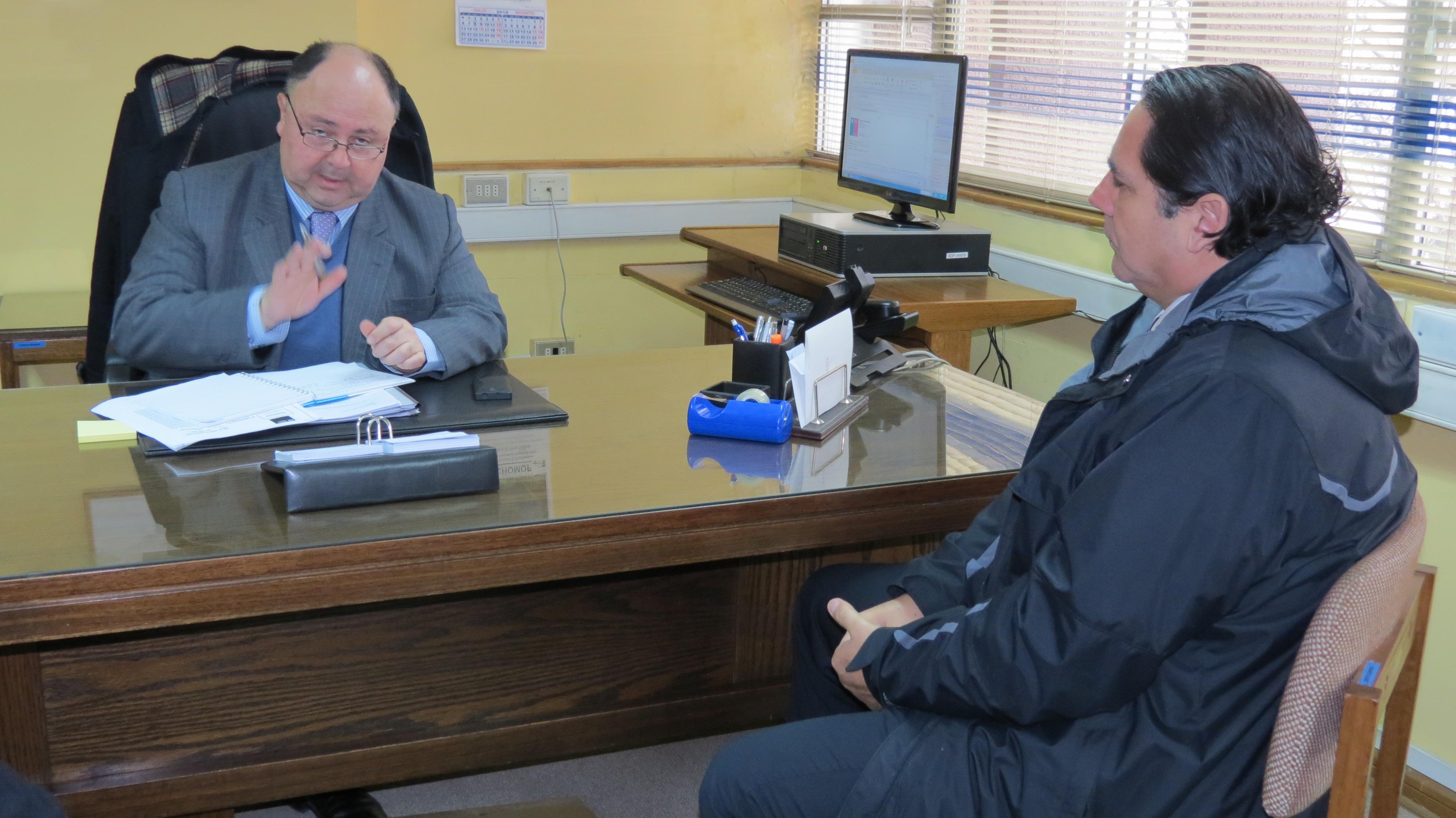 Gobernador de Talca se reúne con Seremi del MOP para abordar temas de seguridad vial