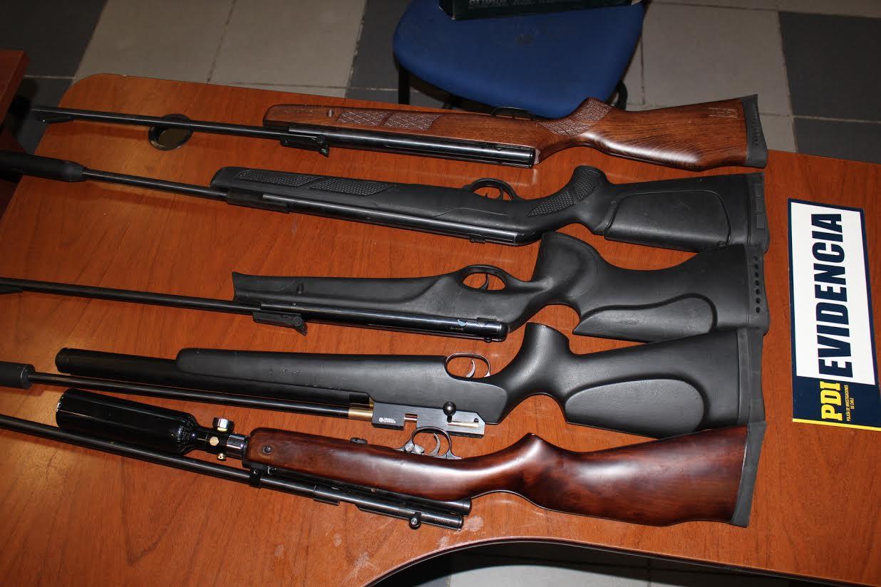 Detienen a individuo que vendía armas robadas por internet