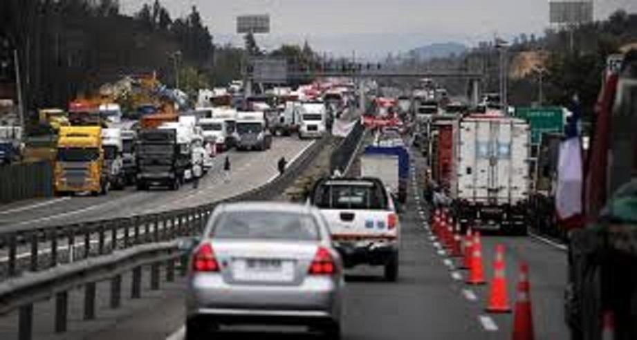Camioneros desisten de toma de la ruta cinco en el Maule