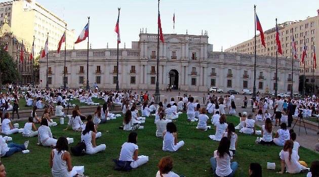 Mujeres de blanco organizan acto en Talca