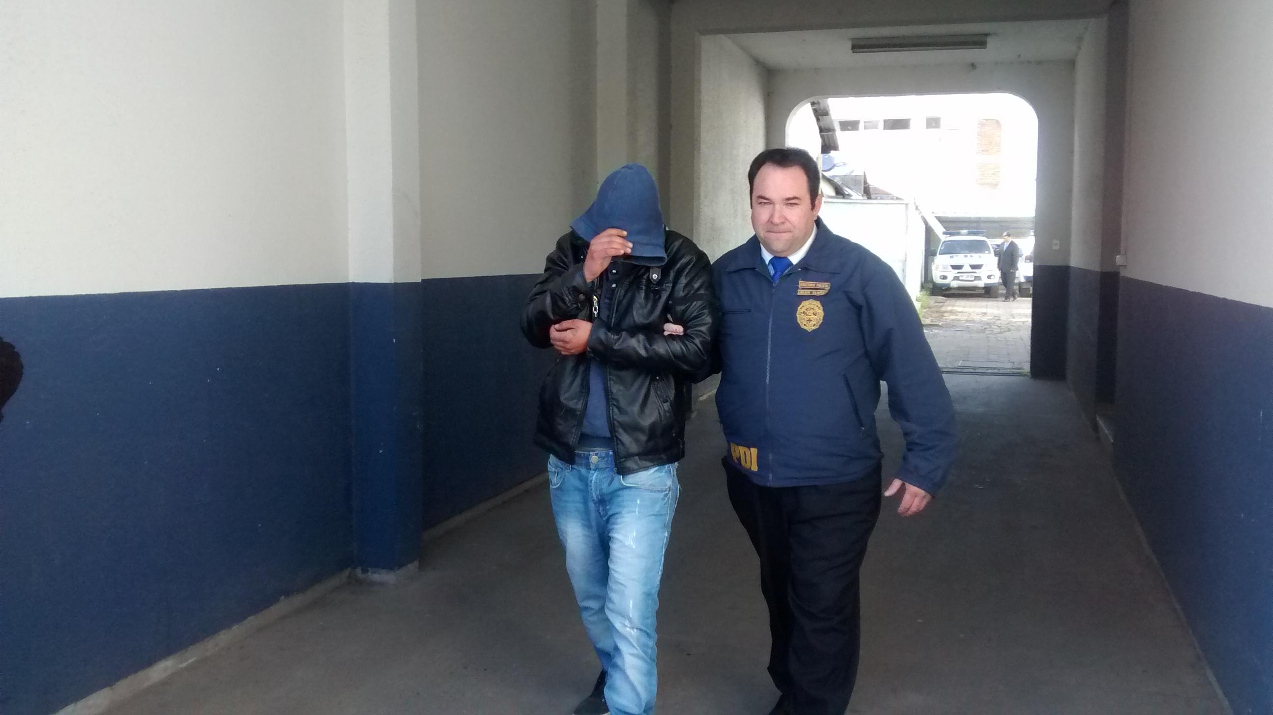 La PDI detiene a uno de los antisociales que participó en violento asalto a la empresa Pullman Cargo en Talca.