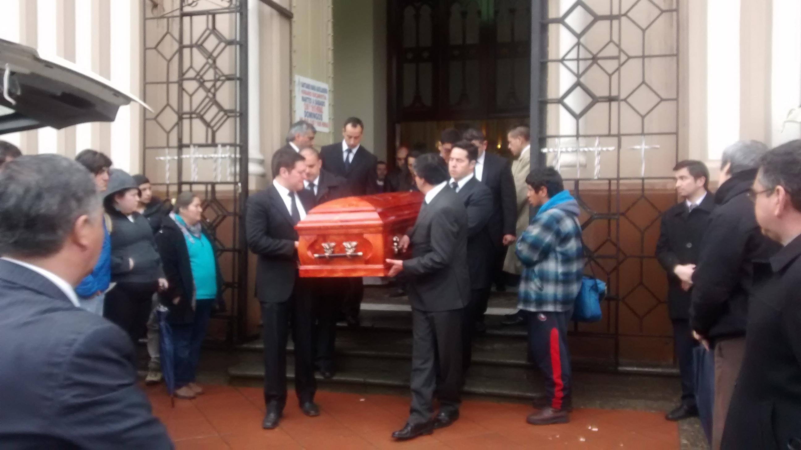 Emotivo Adios a funcionario de la PDI muerto en extrañas circunstancias en Talca