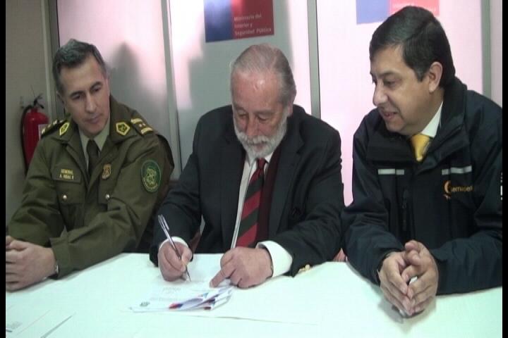 Suscriben convenio de cumplimiento en la fiscalización de ley de pesca en Talca