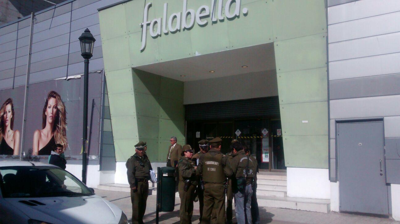 [Videos Exclusivos] Carabineros evita robo a céntrica tienda en Talca