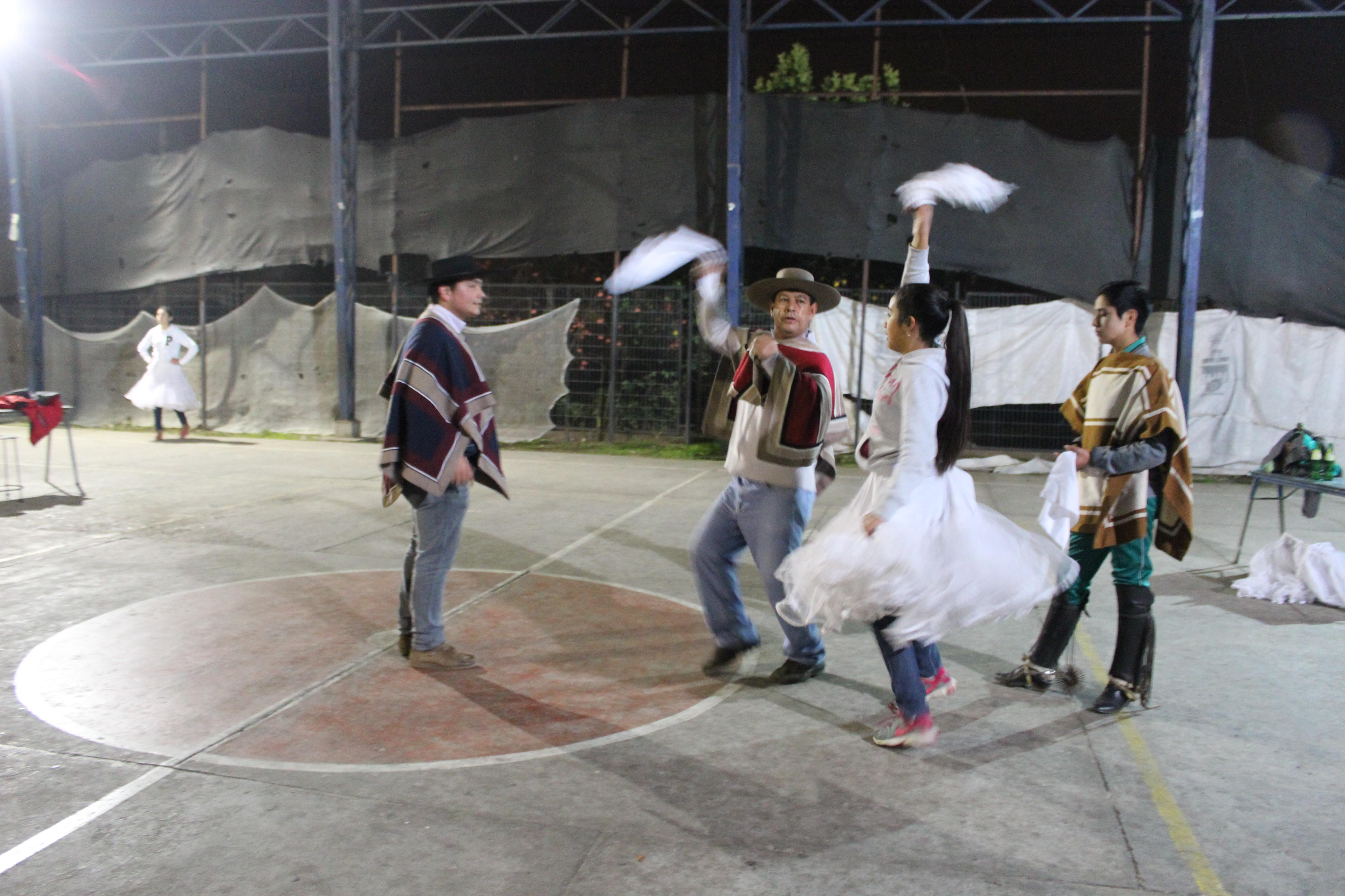 INJUV Maule cerró el mes patrio con taller de Cueca en Longaví
