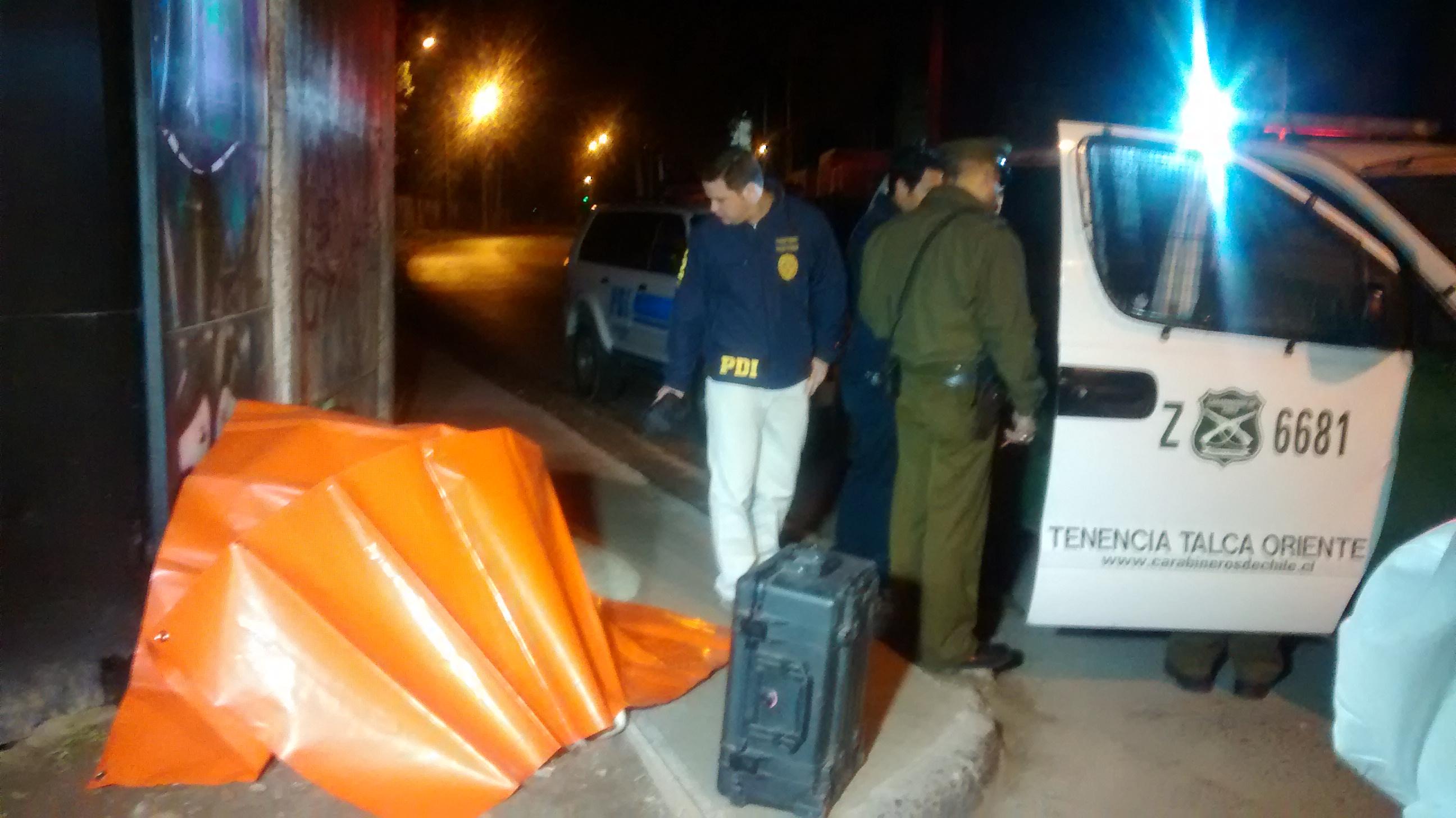 Anoche hombre muere frente a hospital esperando atención médica en Talca